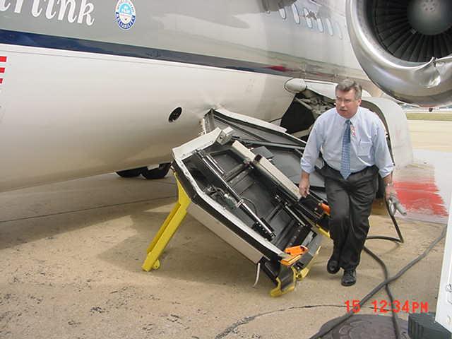 MESABA Airlines Upset at Memphis Airport